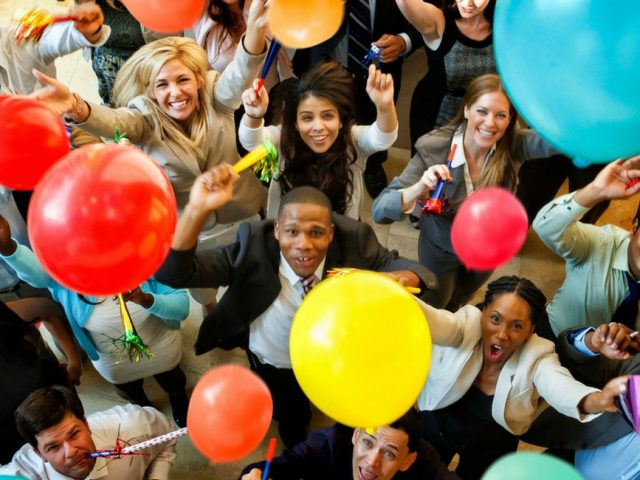 Palloncini personalizzati: perché è importanti averli a un party
