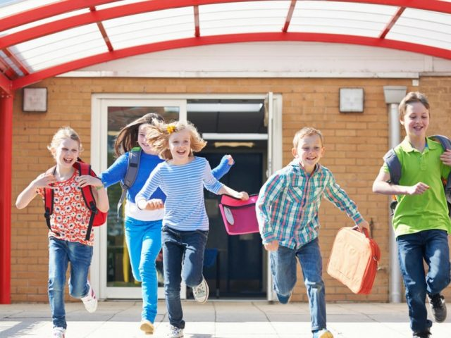 Tutti a scuola con l'abbigliamento bambino personalizzato