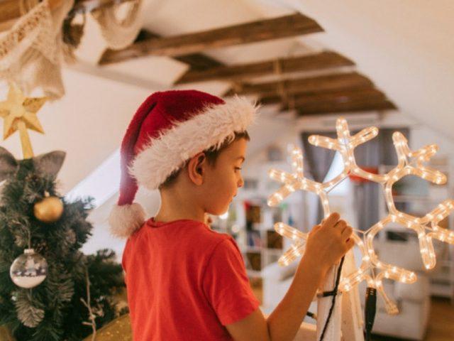 Natale sta arrivando: come personalizzare la tua t-shirt in modo cool e festoso