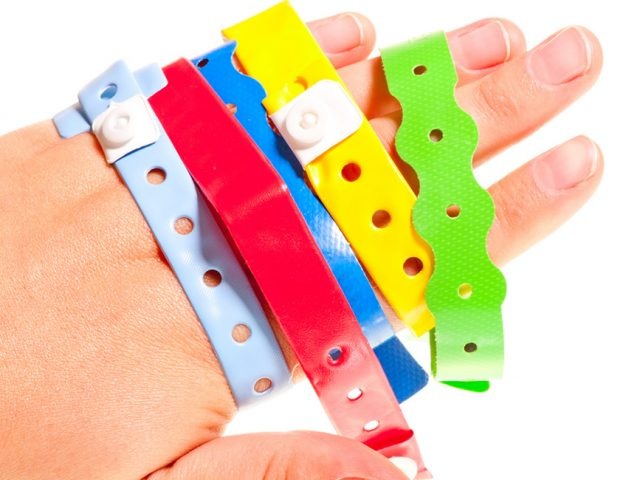5 modi per personalizzare un braccialetto monouso