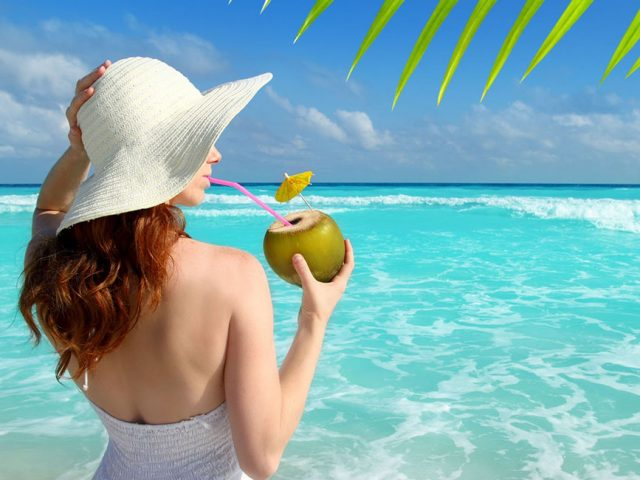 Gli accessori da spiaggia per un look perfetto