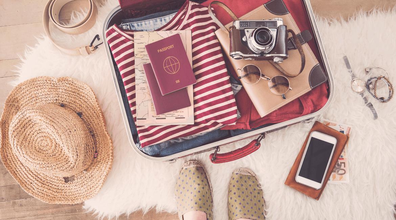 Vacanze 2021, 6 accessori utili da mettere in valigia
