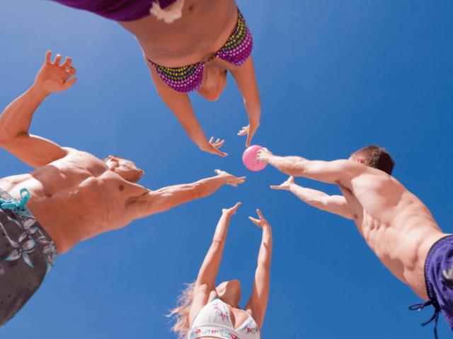 Vacanze 2021, 5 giochi da portare in spiaggia