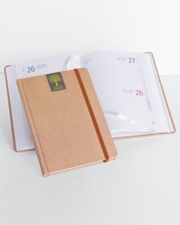 Agenda giornaliera in carta naturale con elastico