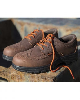 Scarpa robusta da camminata Managers Brogue