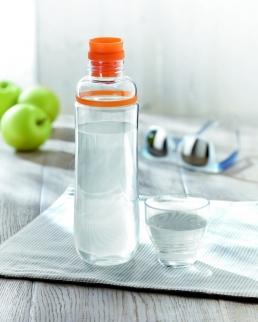 Bottiglia con tappo salvagoccia