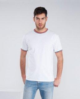 T-shirt con colori internazionali