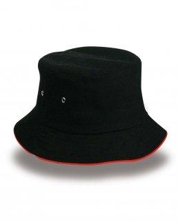 Cappellino trend con piping