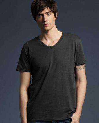 T-shirt Fashion con scollatura a V